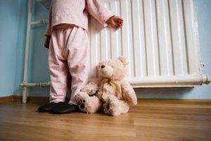 Šiluma kasmet pinga, bet sąskaitos už šildymą mažėja tik renovuotuose namuose